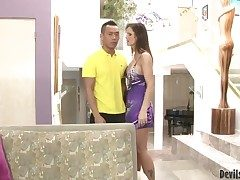 Syren De Mer gets her backdoor used full of sausage