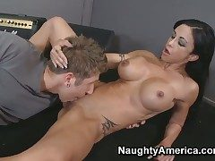Danny Wylde gets delight from fucking Jewels Tire with