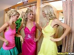 Blonde sluts Franziska Facella,Jana Jordan and Sammie Rhodes having adorable trine together